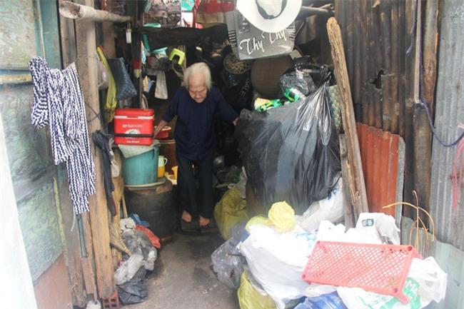 Rơi nước mắt chuyện người mẹ già 91 tuổi có 6 đứa con, cuối đời phải lượm ve chai nuôi con tâm thần - Ảnh 10.