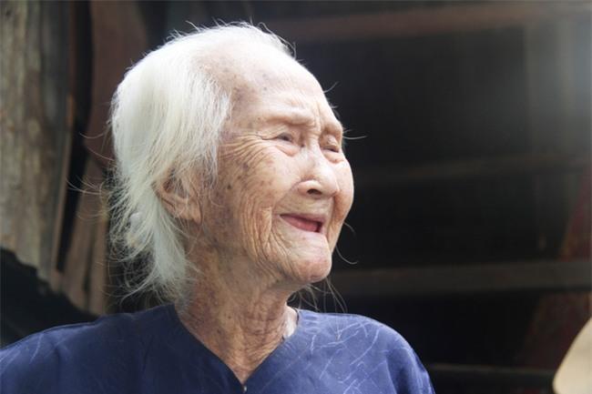Rơi nước mắt chuyện người mẹ già 91 tuổi có 6 đứa con, cuối đời phải lượm ve chai nuôi con tâm thần - Ảnh 17.
