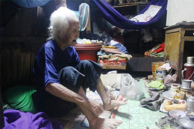 Rơi nước mắt chuyện người mẹ già 91 tuổi có 6 đứa con, cuối đời phải lượm ve chai nuôi con tâm thần - Ảnh 5.