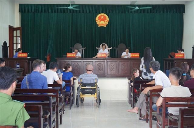 HĐXX tuyên án, giao chị Trần T.L. nuôi con, sở hữu toàn bộ tài sản và có trách nhiệm trả cho chồng cũ 500 triệu đồng tiền chênh lệch tài sản