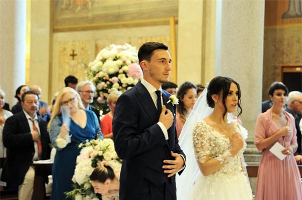 Lễ cưới lung linh của trai đẹp Darmian - Ảnh 10.