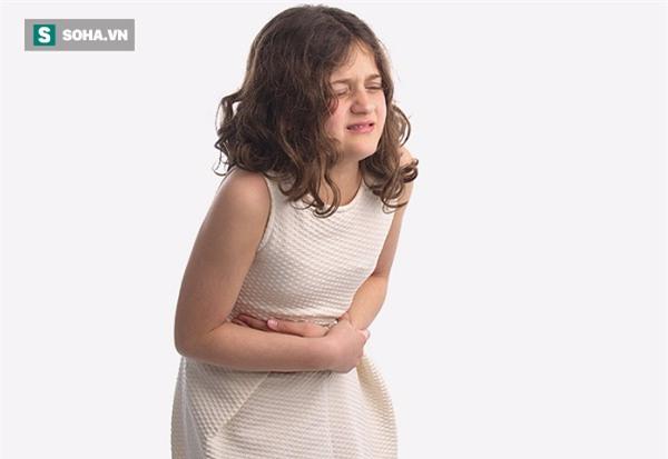 2,5 tuổi bị chảy máu dạ dày: Bố mẹ tá hoả vì nguyên nhân khiến con mắc bệnh  - Ảnh 1.