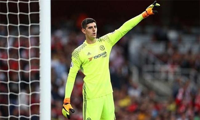 Loạn ở Chelsea: Costa bị đuổi, Courtois ghen tức dọa bỏ đi - 2