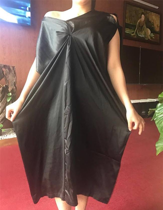 Đặt mua đầm lụa cánh dơi hotgirl mặc xinh lung linh, cô nàng nhận về tay... áo tơi lai túi rác - Ảnh 3.