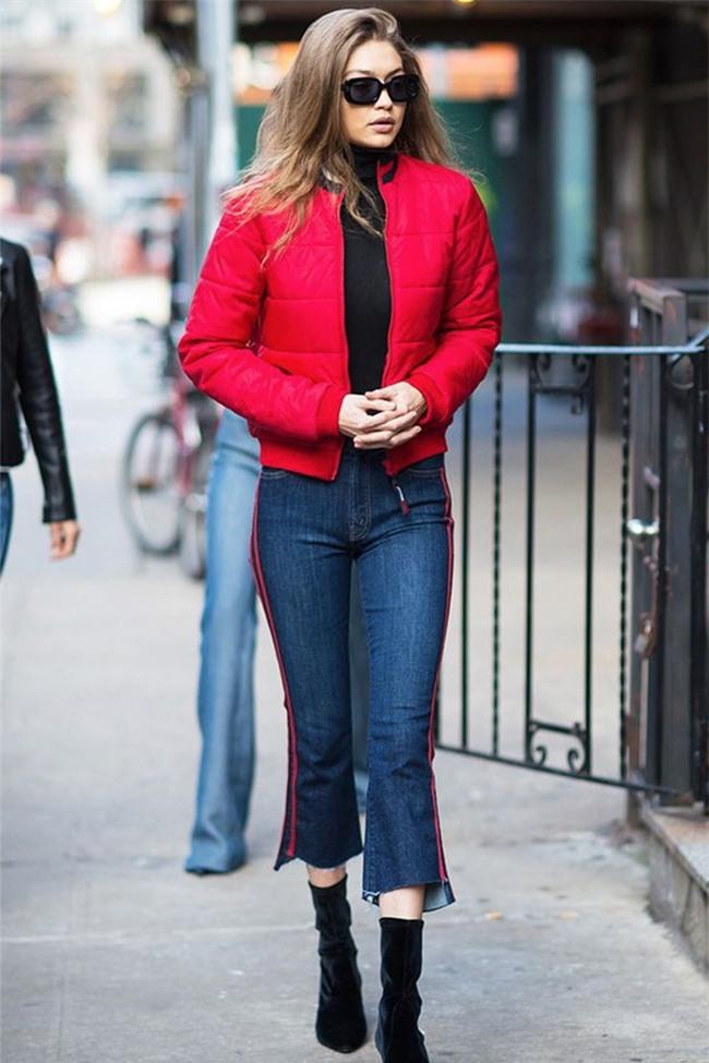 Hàng trăm người đang xếp hàng để mua được chiếc quần jeans này chỉ vì nó từng được Gigi Hadid diện - Ảnh 5.
