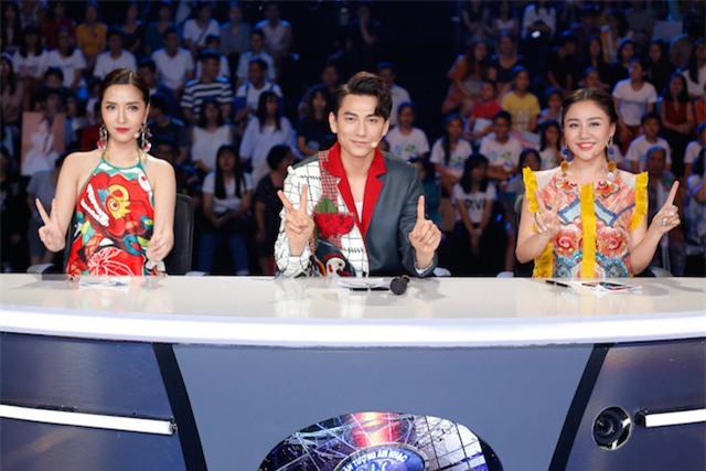 Xuất hiện bé 12 tuổi xinh xắn khiến Văn Hương phải gọi là thần đồng của Idol Kids - Ảnh 1.