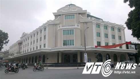Tràng Tiền Plaza, bố chồng Hà Tăng, Jonathan Hạnh Nguyễn