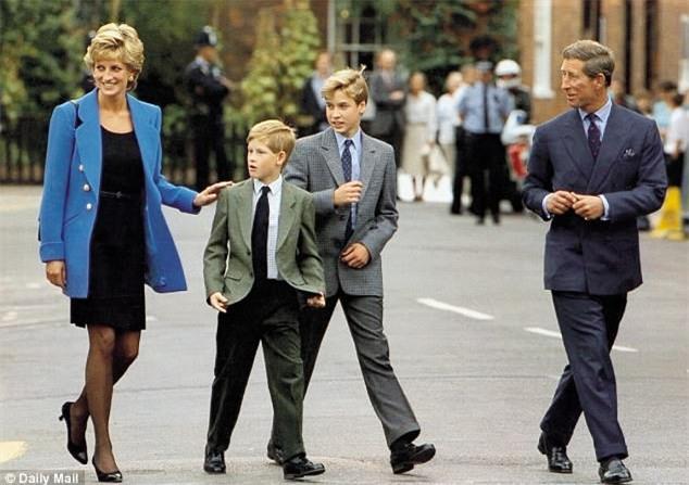 Công nương Diana từng bị chồng chê thẳng thừng, so sánh với em dâu, bị Nữ hoàng coi nàng như mối họa - Ảnh 6.