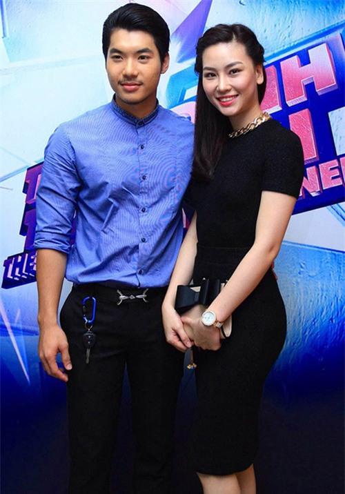 Trước khi bị đá vì trăng hoa, Trương Nam Thành từng mặn nồng với bạn gái hơn tuổi đến mức này - Ảnh 1.