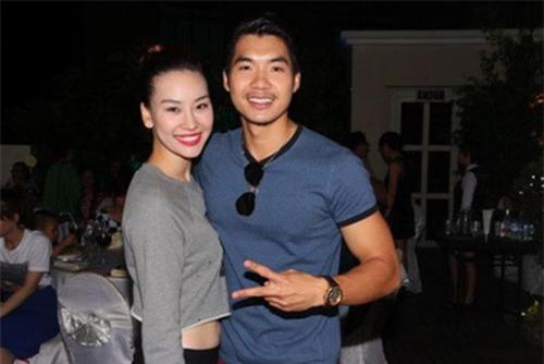Trước khi bị đá vì trăng hoa, Trương Nam Thành từng mặn nồng với bạn gái hơn tuổi đến mức này - Ảnh 10.