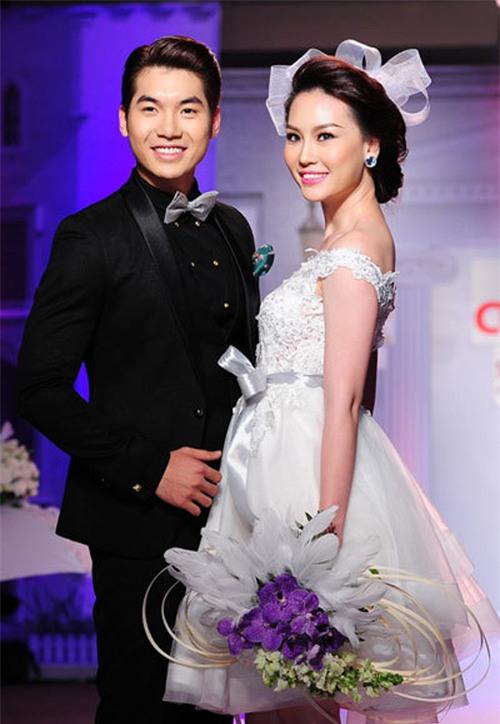 Trước khi bị đá vì trăng hoa, Trương Nam Thành từng mặn nồng với bạn gái hơn tuổi đến mức này - Ảnh 18.