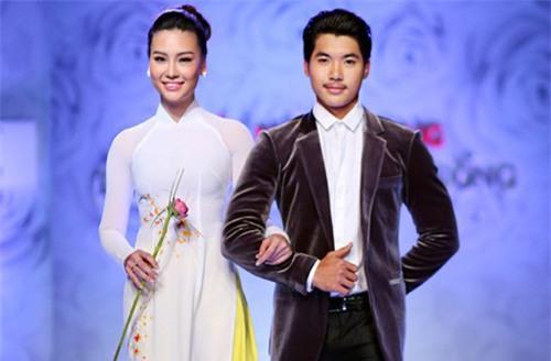 Trước khi bị đá vì trăng hoa, Trương Nam Thành từng mặn nồng với bạn gái hơn tuổi đến mức này - Ảnh 9.