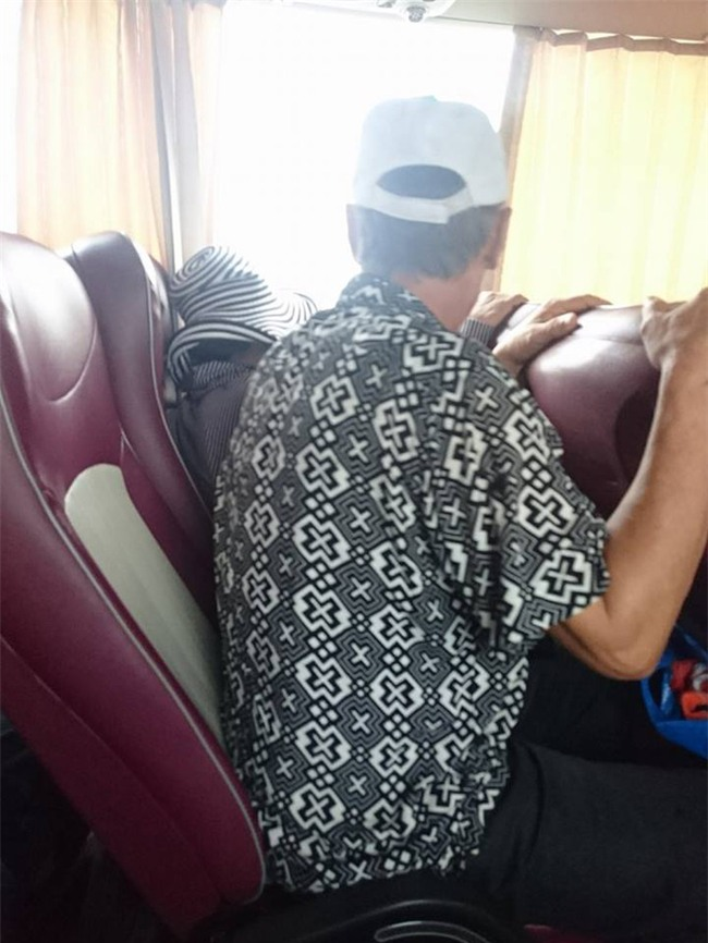 Chuyến xe khách Hạ Long - Hà Nội và thái độ của 2 người đàn ông khiến ta xót xa - Ảnh 1.