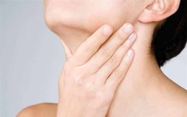 Dùng 3 ngón tay để nhận biết được dấu hiệu những căn bệnh nguy hiểm của nữ giới - Ảnh 1.