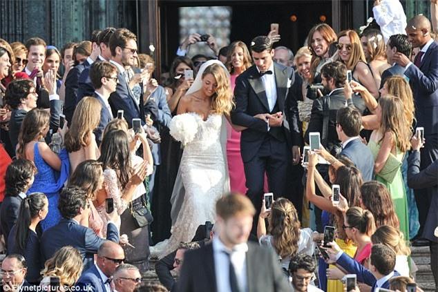 Morata đi thuyền trong lễ cưới đẹp như cổ tích ở Venice - Ảnh 1.