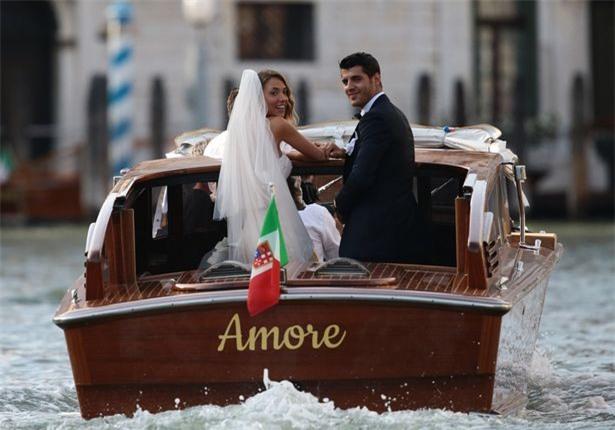 Morata đi thuyền trong lễ cưới đẹp như cổ tích ở Venice - Ảnh 3.