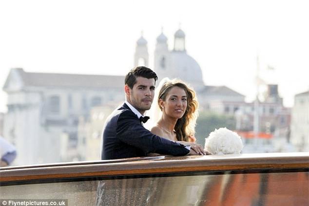 Morata đi thuyền trong lễ cưới đẹp như cổ tích ở Venice - Ảnh 4.