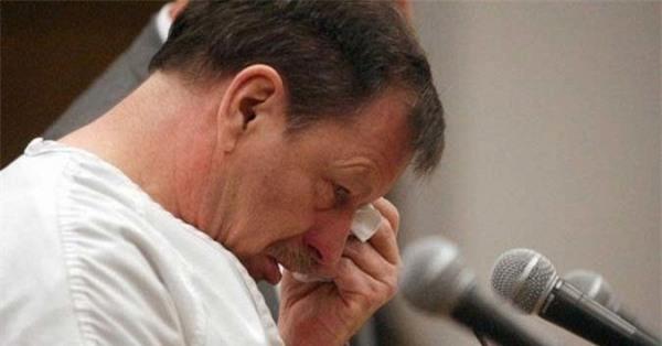 Gã sát nhân máu lạnh giết chết 48 phụ nữ bật khóc chỉ vì một câu nói của người cha nạn nhân - Ảnh 3.