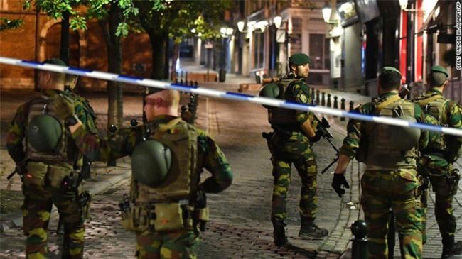 Tấn công khủng bố tại Bỉ, nghi phạm bị tiêu diệt - Ảnh 1.