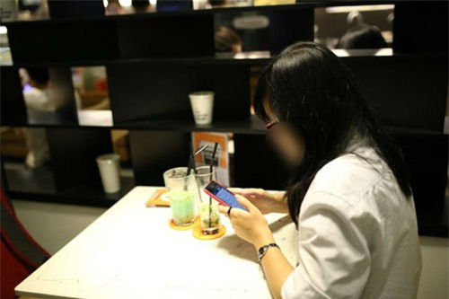 Cô gái bị bỏ rơi tại quán cà phê trong lần đầu hẹn hò, chỉ vì chê con xe số của bạn trai quê mùa - Ảnh 6.