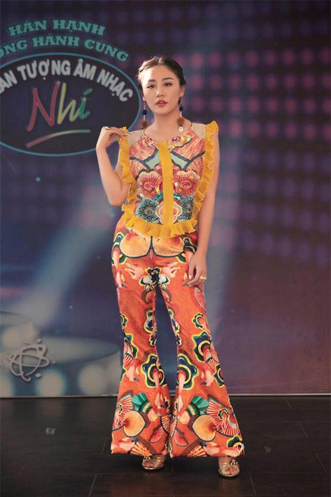 thoi trang sao viet xau: phi thanh van goi cam den nhuc mat - 2