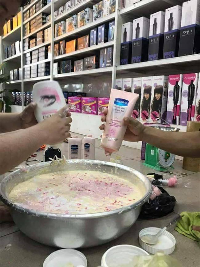 Loạt ảnh sản xuất kem trộn tại gia gây xôn xao mạng xã hội Thái Lan - Ảnh 4.