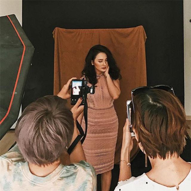 Bảo Thanh trong một buổi chụp hình cho thương hiệu thời trang.