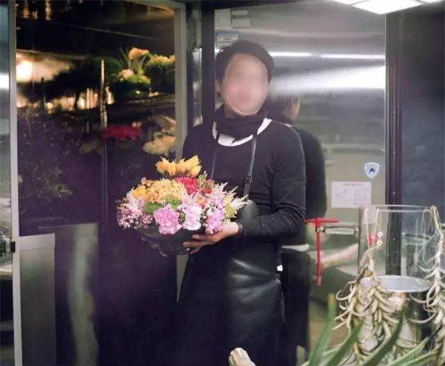 Giận chồng mê hoa hơn vợ, cô gái ghen tức vặt trụi chậu phong lan xinh đẹp của chồng - Ảnh 6.