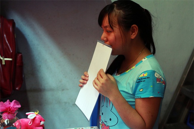 Mẹ tâm thần, nữ sinh khiếm thị 12 năm ăn mì tôm nuôi ước mơ thành luật sư - Ảnh 5.