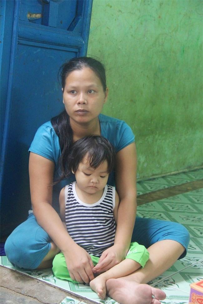 Ông ngoại của 6 đứa trẻ bị nhốt trong nhà, trần truồng gào khóc dưới mưa: Tôi không dám nhận tiền giúp đỡ của ai - Ảnh 20.