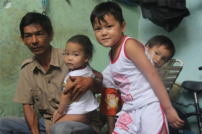 Ông ngoại của 6 đứa trẻ bị nhốt trong nhà, trần truồng gào khóc dưới mưa: Tôi không dám nhận tiền giúp đỡ của ai - Ảnh 5.