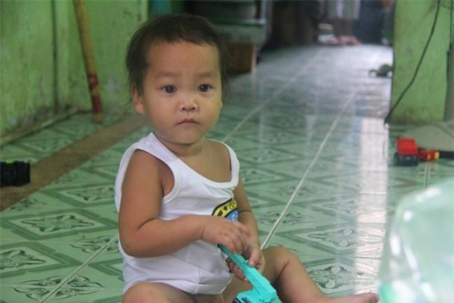 Ông ngoại của 6 đứa trẻ bị nhốt trong nhà, trần truồng gào khóc dưới mưa: Tôi không dám nhận tiền giúp đỡ của ai - Ảnh 9.
