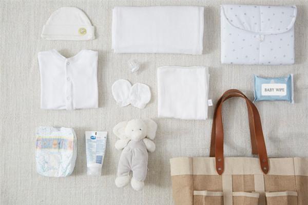 Vì sao các bà mẹ Thái Lan đều chọn khăn đơn sắc cho bé? -2