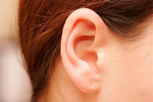 """Phụ nữ có dái tai như thế này là """"đại phúc"""", cả đời mang may mắn đến cho chồng - Ảnh 1."""