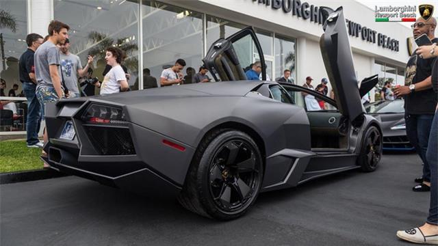 12 chiếc siêu xe hàng hiếm Lamborghini Aventador SV đủ màu sắc xuất hiện tại Mỹ - Ảnh 13.