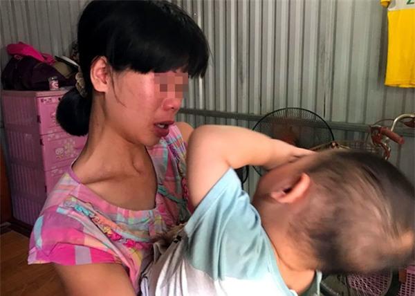 Bà mẹ từng bắt con 3 tuổi trần truồng đứng dưới mưa: Tôi muốn cho con để gia đình khác nuôi cho chúng đỡ khổ - Ảnh 6.