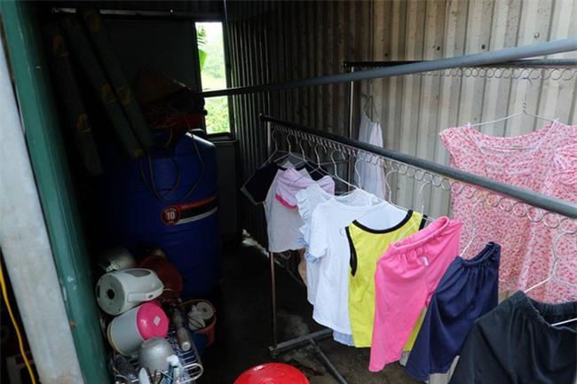 Bà mẹ từng bắt con 3 tuổi trần truồng đứng dưới mưa: Tôi muốn cho con để gia đình khác nuôi cho chúng đỡ khổ - Ảnh 8.