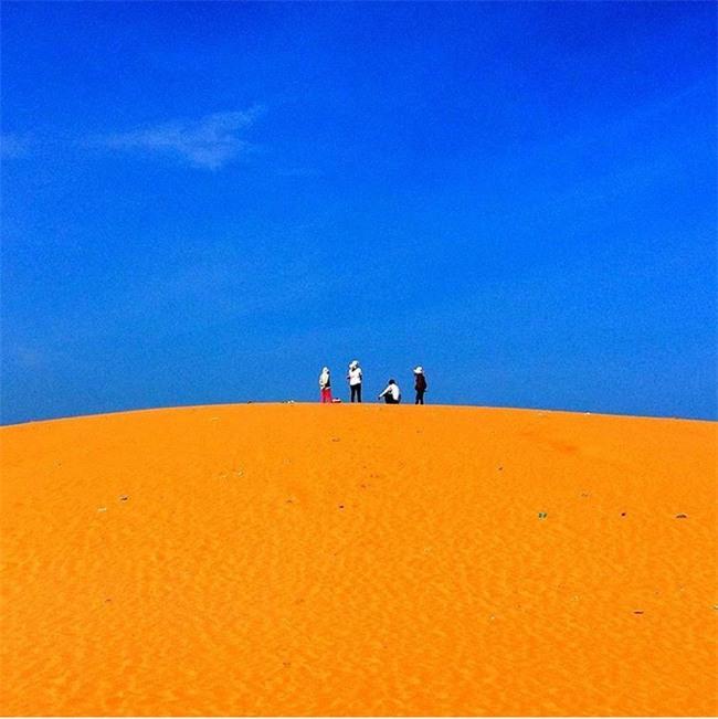 Ngẩn ngơ trước 5 đồi cát đẹp mê hồn ở miền Trung, nhìn thôi đã yêu luôn rồi - Ảnh 2.