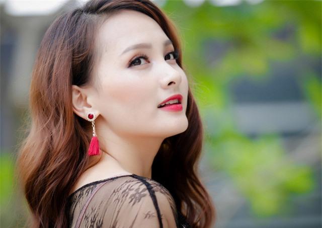 Dien vien vut sang nho 'Nguoi phan xu' va 'Song chung voi me chong'