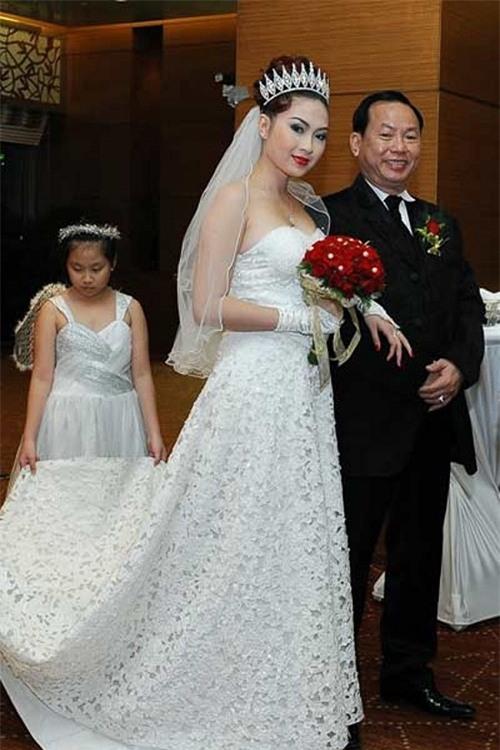 4 cuộc hôn nhân chóng vánh đến không ngờ của showbiz Việt - 3