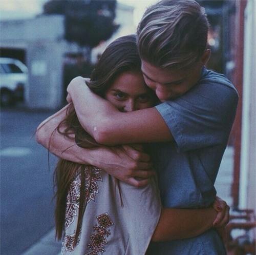 Yêu nhau 5 năm, chia tay 1 tháng, cô gái bất ngờ khi thấy người cũ ôm ấp bạn thân cùng phòng - Ảnh 3.
