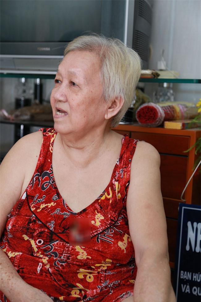"""tinh yeu """"chi - em"""" xuyen the ky cua ong lao mu va nguoi vo rong ruoi tu nhung ngay via he - 2"""