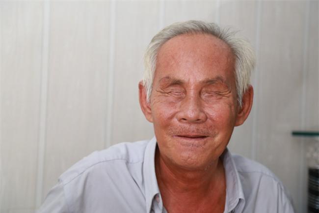 """tinh yeu """"chi - em"""" xuyen the ky cua ong lao mu va nguoi vo rong ruoi tu nhung ngay via he - 3"""