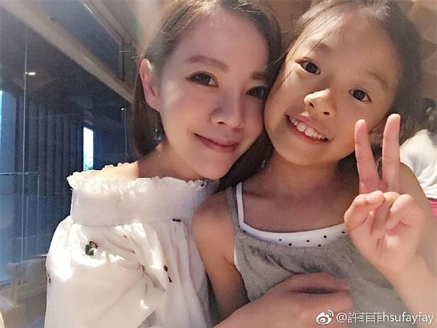 Fayfay Hsu (40 tuổi) là người duy nhất trong ba chị em hiện giờ đã có gia đình.
