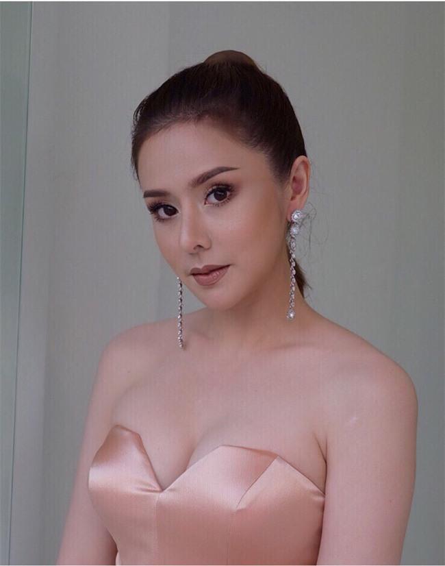 Thái Lan: Đập mặt đi xây lại, cô gái trẻ có cuộc sống mới vô cùng sang chảnh, hạnh phúc - Ảnh 4.