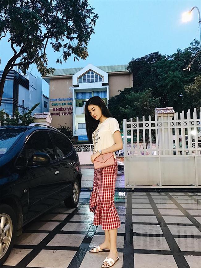 Tranh thủ Zara đang sale mà lùng ngay mấy món đồ ruột này của sao Việt - Ảnh 25.