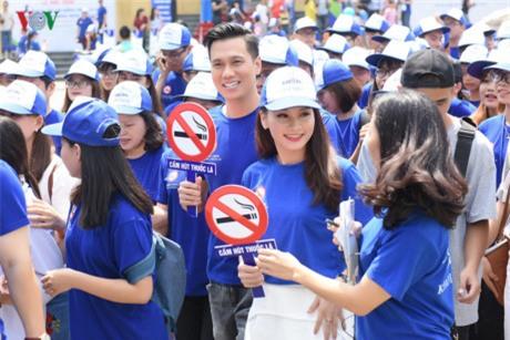 """Ảnh hậu trường của Bảo Thanh, Việt Anh gây nghi ngại """"phim giả tình thật"""" - 11"""