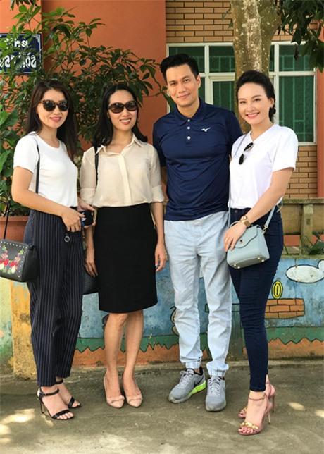 """Ảnh hậu trường của Bảo Thanh, Việt Anh gây nghi ngại """"phim giả tình thật"""" - 13"""