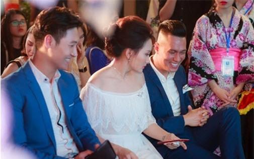 """Ảnh hậu trường của Bảo Thanh, Việt Anh gây nghi ngại """"phim giả tình thật"""" - 8"""