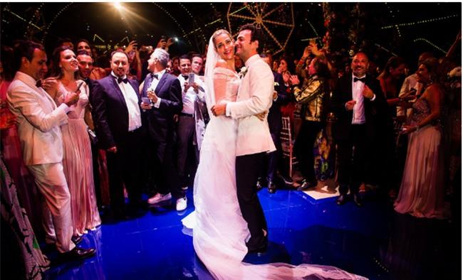 Bữa tiệc kiều nữ - đại gia ai cũng xinh như hoa hậu và sang chảnh tuyệt đối ở đám cưới thực mà như mơ - Ảnh 18.